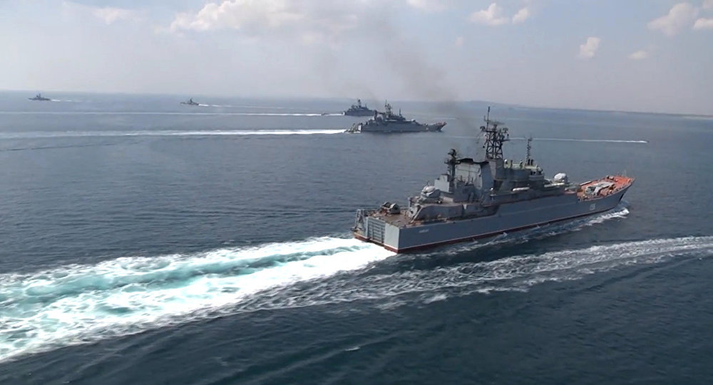 Black Sea Navy Fleet and the Caspian Flotilla took part in Kavkaz-2016' strategic troops exercise