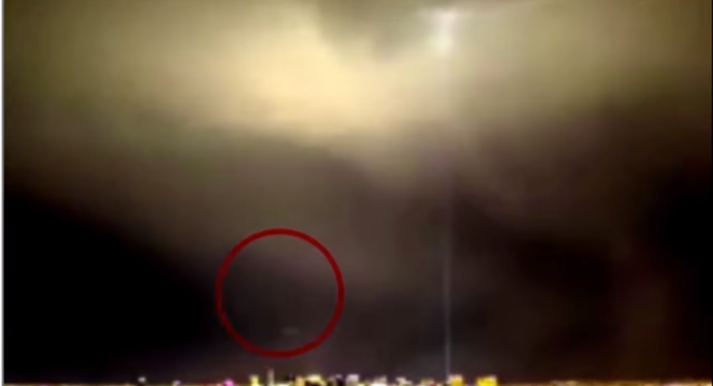 alien enthusiasts claim sinister ufo blasts through lightning