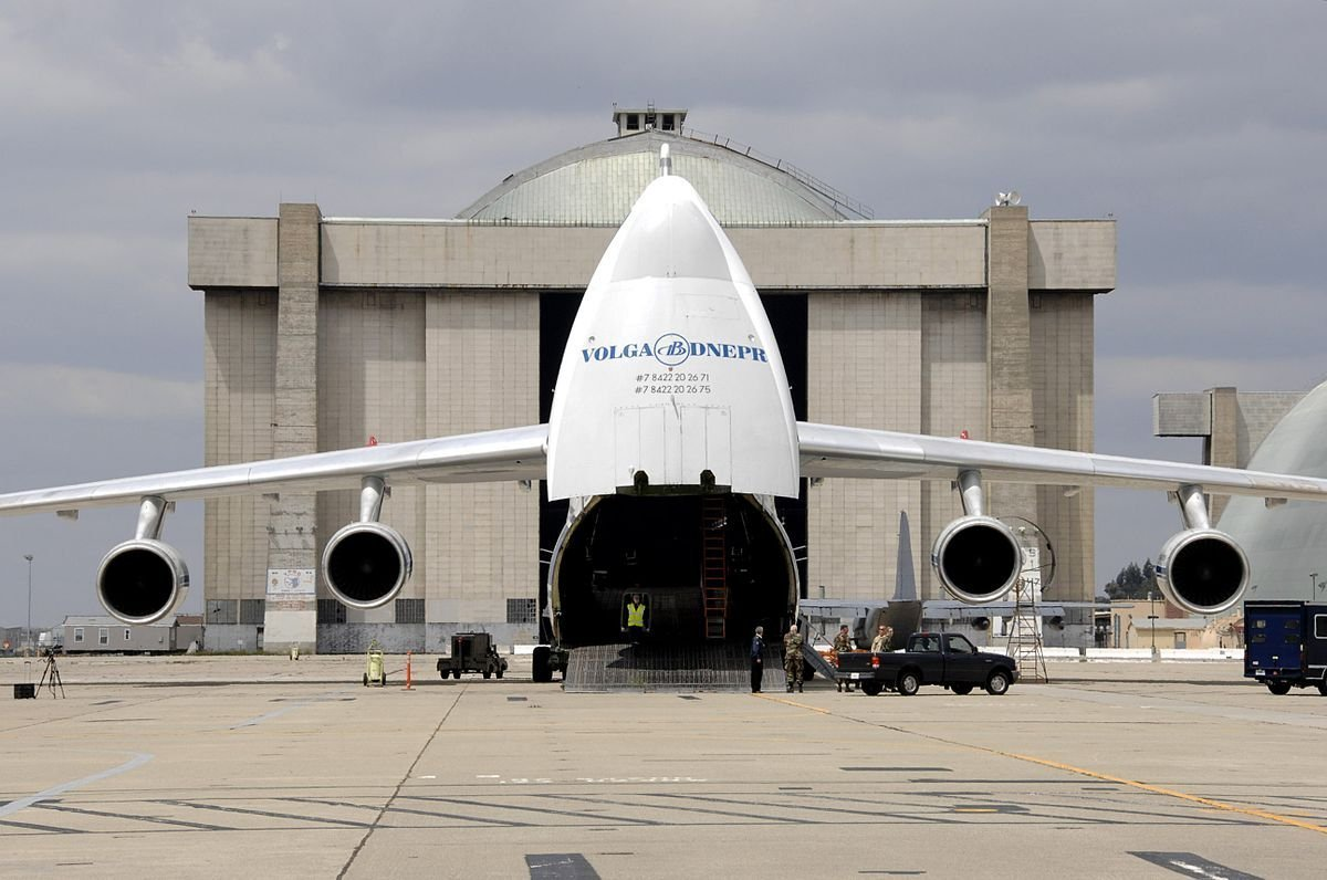 A Volga-Dnepr-owned AN-124.