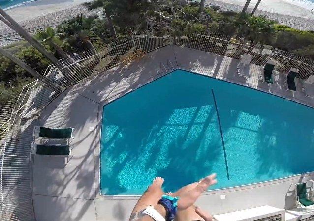 Laguna Pool Drop 2