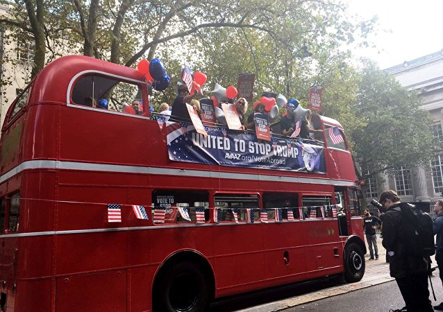 Anti-Trump bus in London