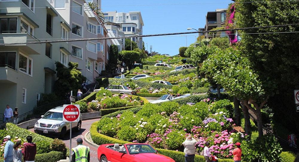 Lombard Street - San Fransisco