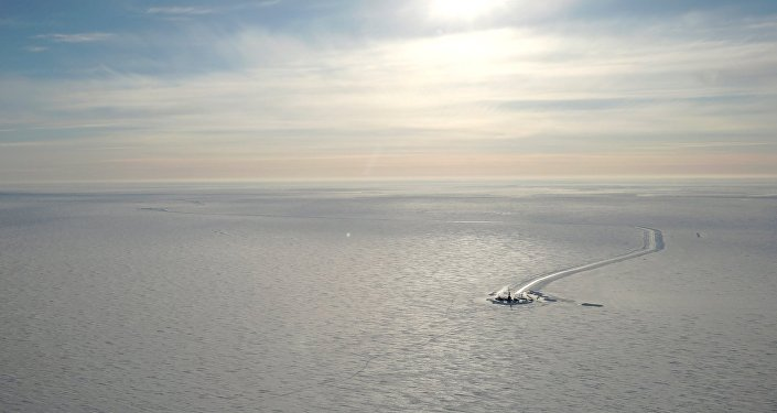 US private oil company Caelus Energy found a major oil field in the state waters at Smith Bay, on Alaska's North Slope