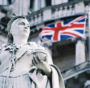 Queen Victoria and the Union Flag outside Belfast Town Hall
