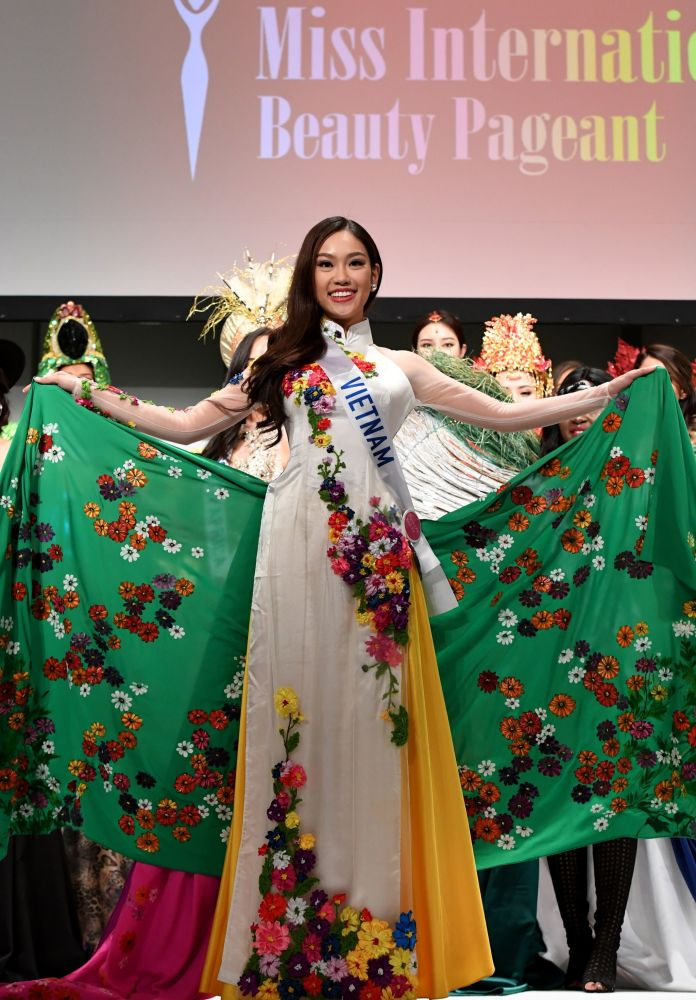 Miss Vietnam Pham Ngoc Phuong Linh