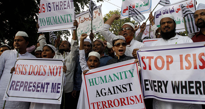 Indian Muslims shout slogans during a protest against ISIS, an Islamic State group, and the Nov. 13 attacks in Paris, in the eastern Indian city of Bhubaneswar (File)