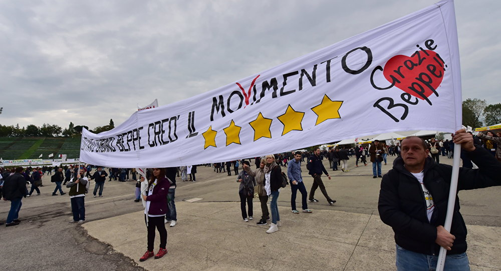 Supporters of the 5 stars movement