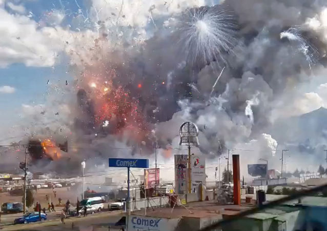 A massive explosion guts Mexico's biggest fireworks market in Tultepec