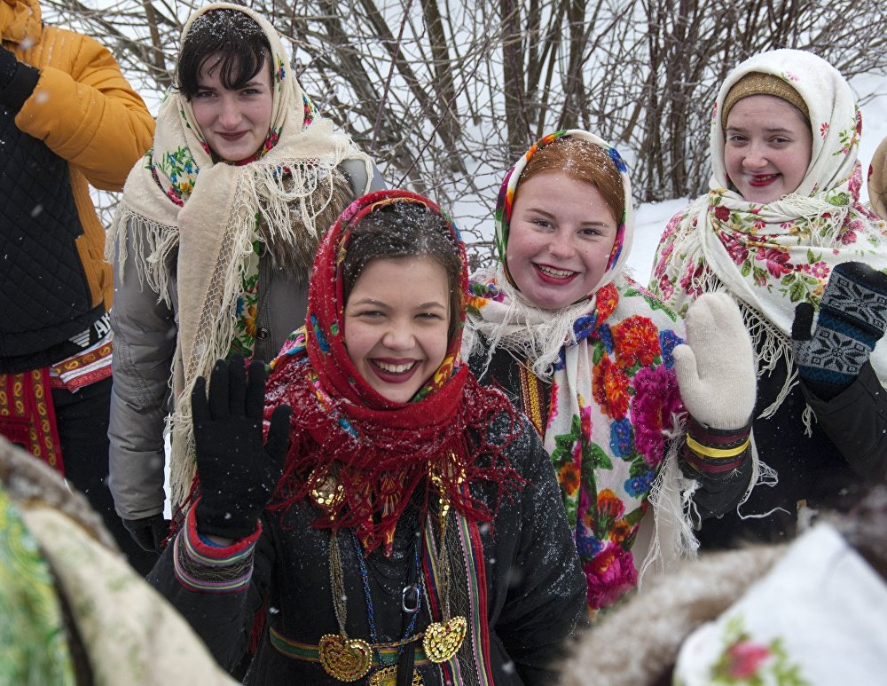 Pray, Sing Carols and Tell Fortunes: How Russia Celebrate Christmas