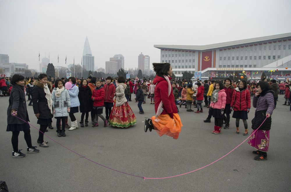 This is What Life Looks Like in DPRK During New Year Holidays and Work Days