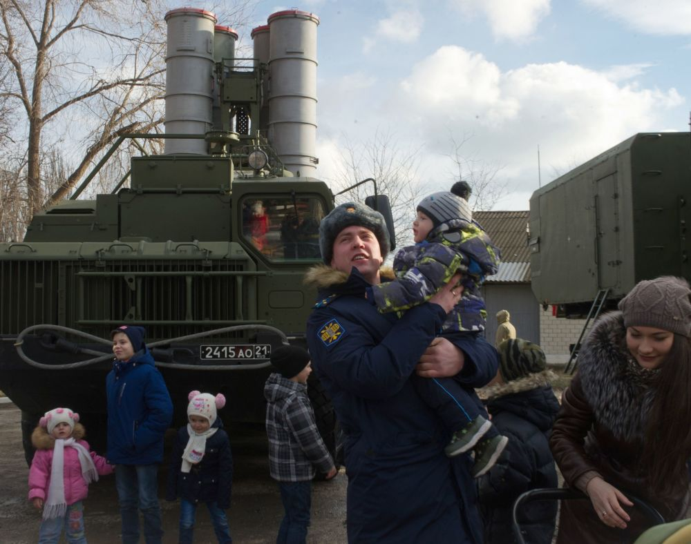 'Triumf' and Glory: Russia's Advanced S-400 Regiment Enters Service in Crimea