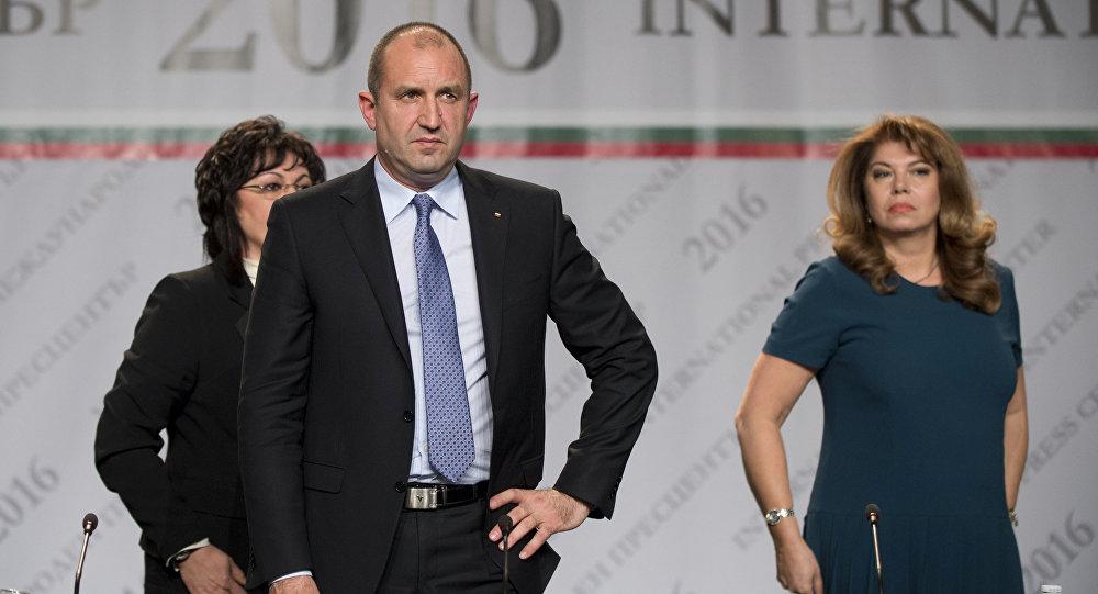 Newly-elected Bulgarian President Rumen Radev and Vice President Iliyana Yotova (File)