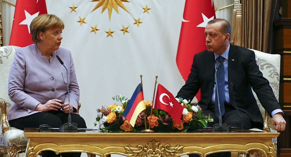 Turkish President Recep Tayyip Erdogan and German Chancellor Angela Merkel meet at the presidential palace during the first visit since July's failed coup in Ankara, Turkey, February 2, 2017.