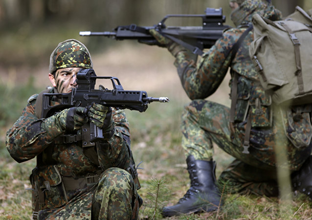 Peshmerga fighters from Iraq take part in a training session of the German army Bundeswehr in Munster near Hannover, Germany, Tuesday, March 1, 2016