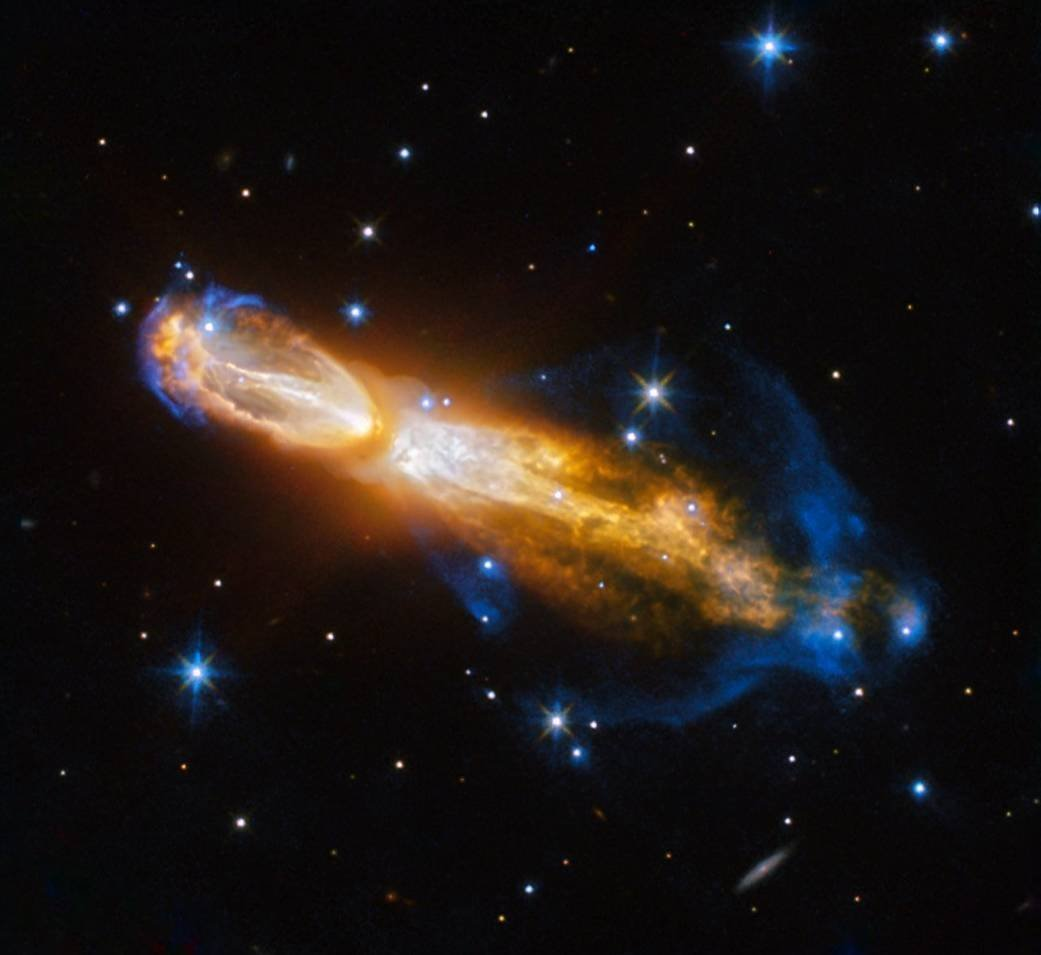 "Hubble Captures Brilliant Star Death in ""Rotten Egg"" Nebula"
