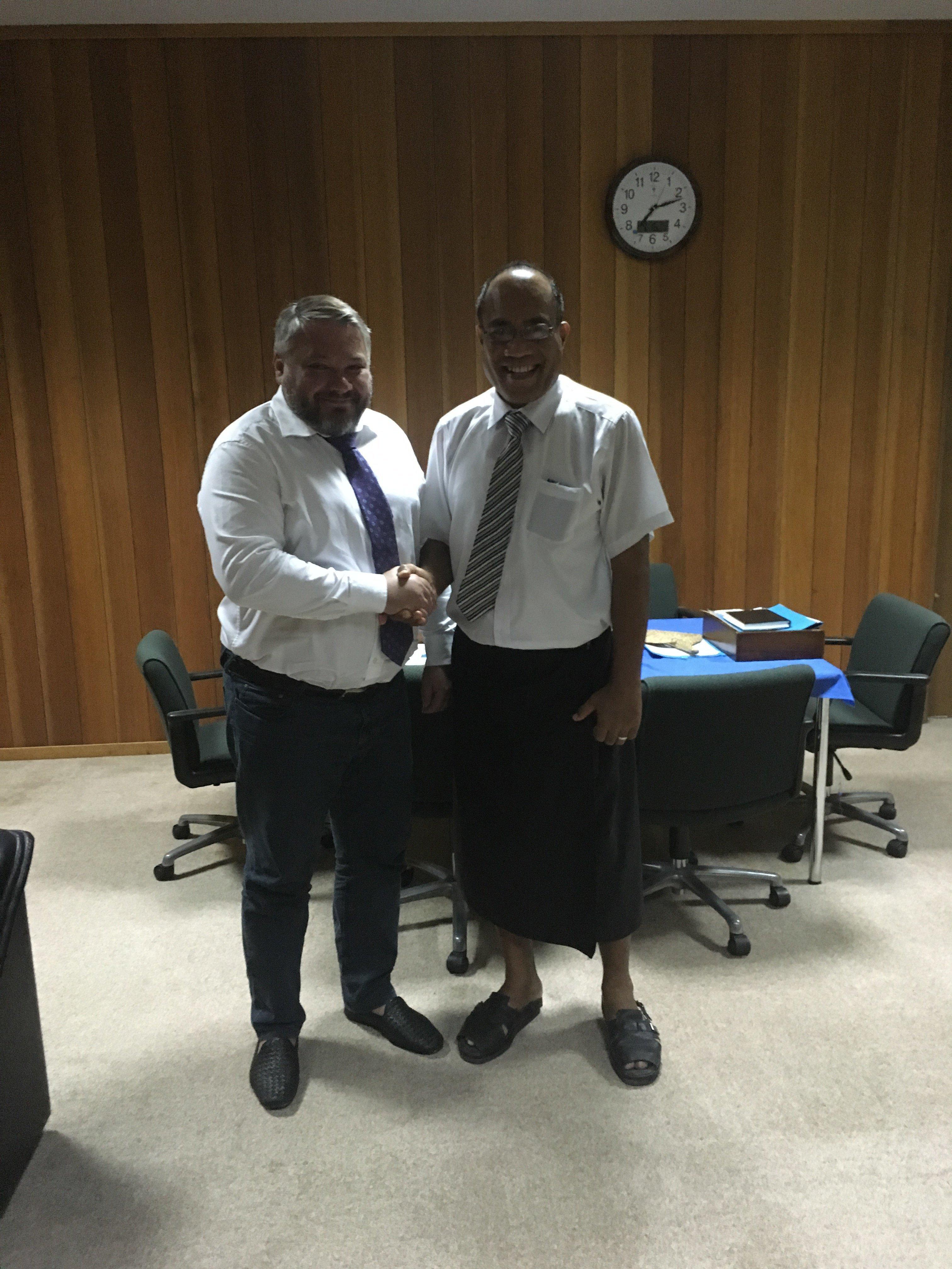 Anton Bakov and Kiribati President Taneti Mamau during talks