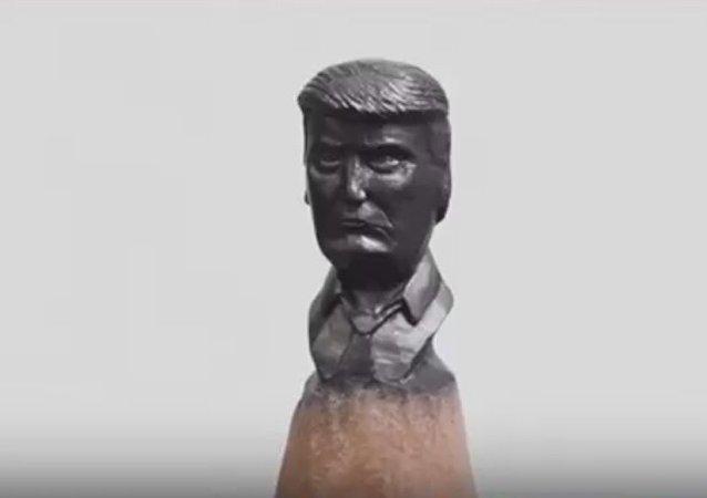 Russian Artist Carves Trump's Portrait On A Pencil Lead