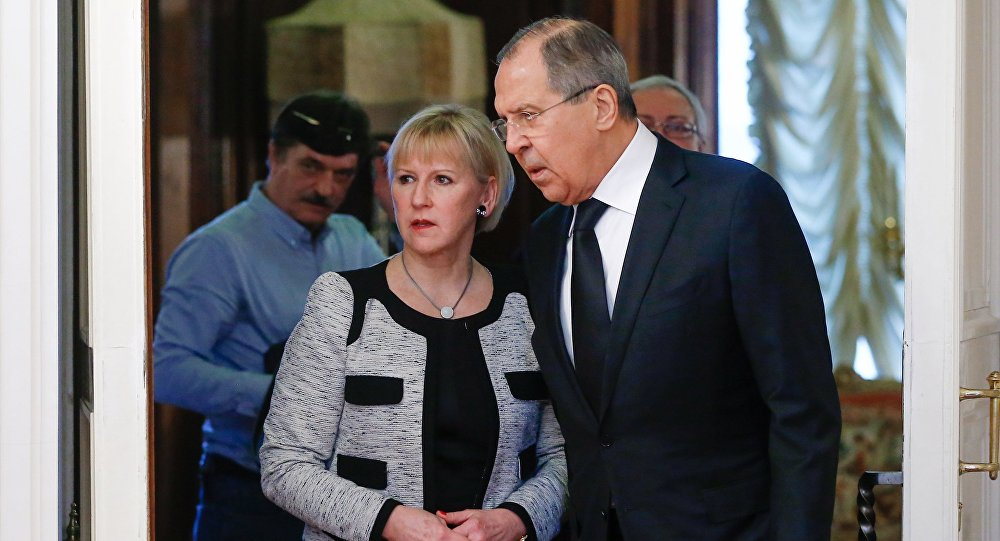 Russian Foreign Minister Sergei Lavrov (R) and his Swedish counterpart Margot Wallstrom during a meeting in Moscow, Russia, February 21, 2017