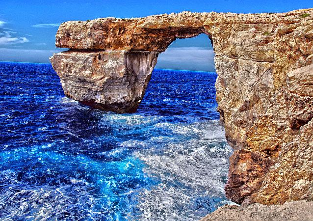 HDR Azure Window. Gozo