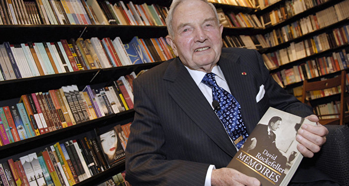 US David Rockefeller posing in a Paris bookshop during the presentation of his book Memoires. (File)