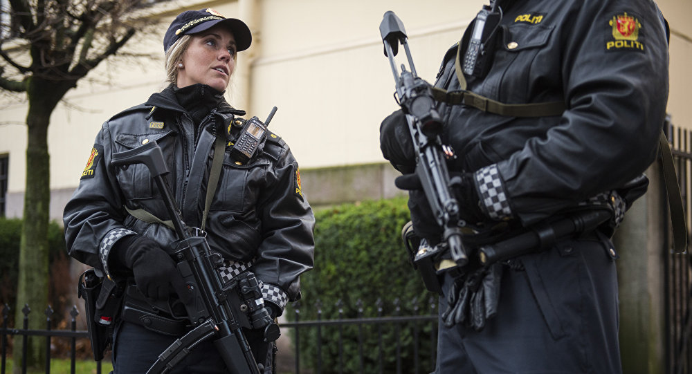 Armed police guard the Nobel institute ahead of a press conference with the Nobel Peace Prize laureates, the Tunisian National Dialogue Quartet in Oslo on December 9, 2015