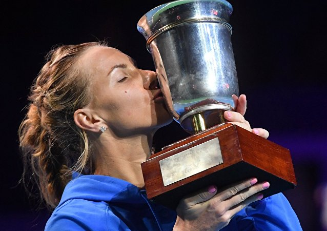 Svetlana Kuznetsova, winner of the VTB Kremlin Cup 2016's women's singles tournament, during the awards ceremony. (File)