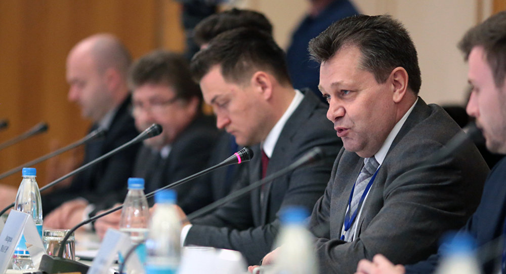 Head of the delegation of German politicians and businessmen who visited the Crimea Andreas Maurer at a meeting with the Chairman of the State Council of the Republic of Crimea Vladimir Konstantinov