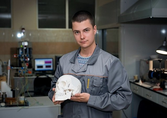 Implant from ultra-high molecular weight polyethylene successfully replaced bone tissue