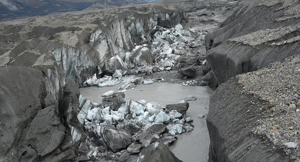 River piracy: Climate change and sudden surprise