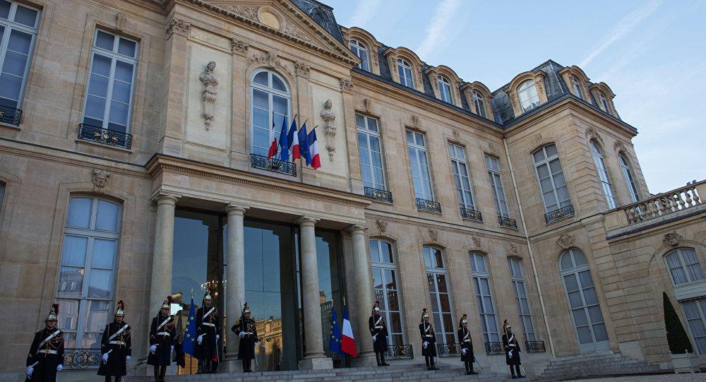Guards of honor at the Elysee Palace, Paris