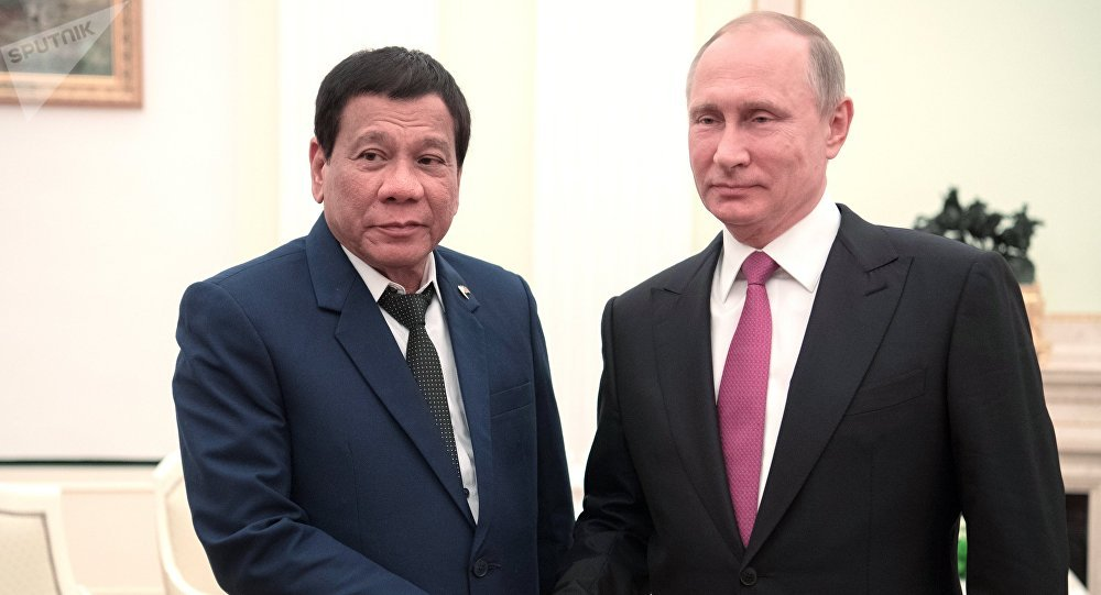 Russian President Vladimir Putin meets with Philippine President Rodrigo Duterte