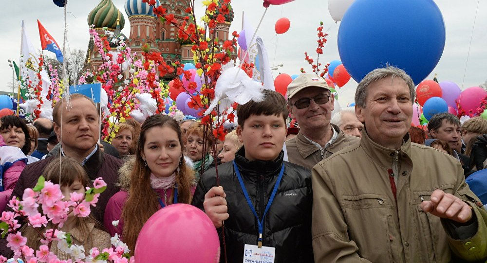 Participants in the Labor Union march dedicated to the Day of Workers' International Solidarity and the Spring and Labor Day on Red Square in Moscow.