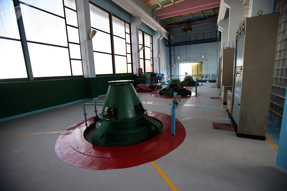 Workers inside a pumping station idled due to insufficient water levels in the North Crimean Canal. File photo