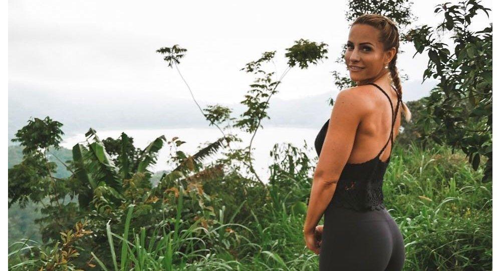 French lifestyle blogger Rebecca Burger