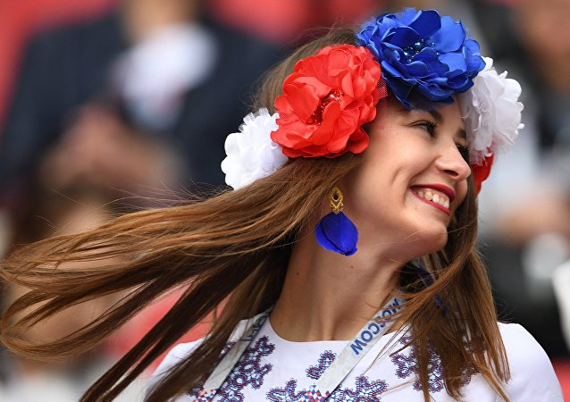 Ole, Ole, Ole! Happy Football Fans at the 2017 FIFA Confederations Cup