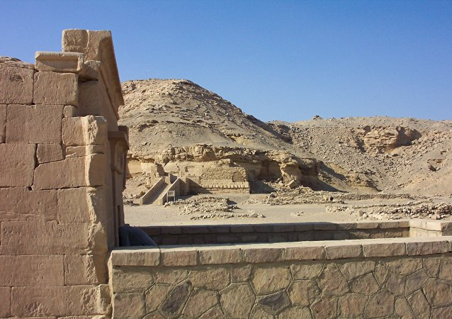 The desert temples at El Kab (Egypt)