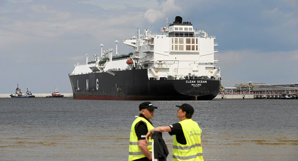 The LNG tanker Clean Ocean is pictured during the first U.S. delivery of liquefied natural gas to LNG terminal in Swinoujscie, Poland June 8, 2017