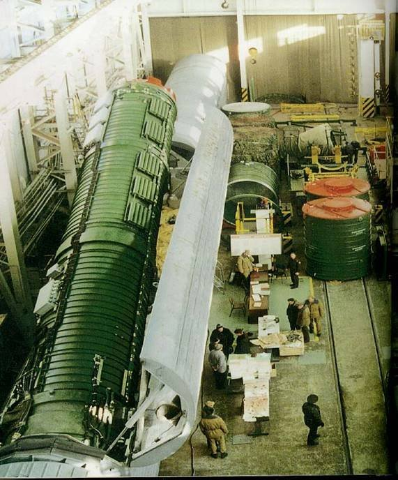 Removal of an RT-23 ICBM from its rail-mobile launcher