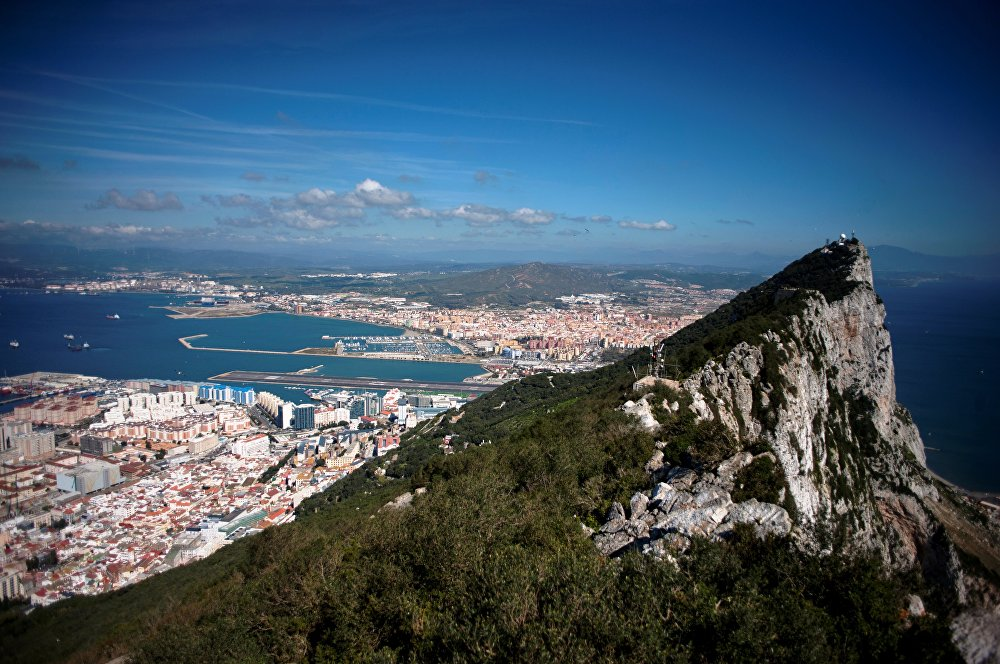 Spanish king sees 'acceptable' arrangement on Gibraltar with Britain
