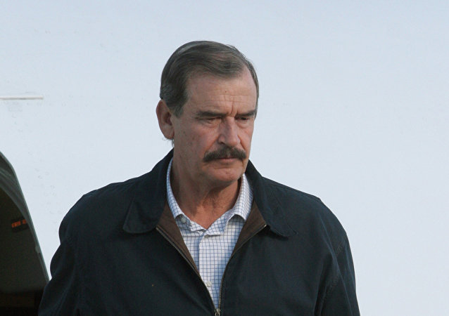 Mexican President Vicente Fox Quesada arrives in St. Petersburg