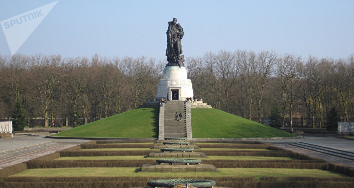 Monument to the Soviet liberator in Treptower Park, Berlin