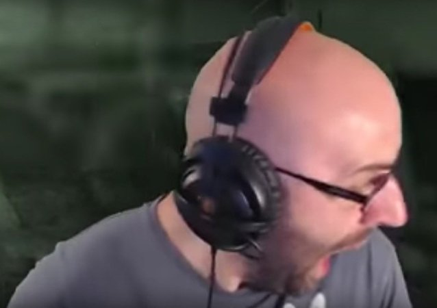 Daughter Scares Dad During Video Game