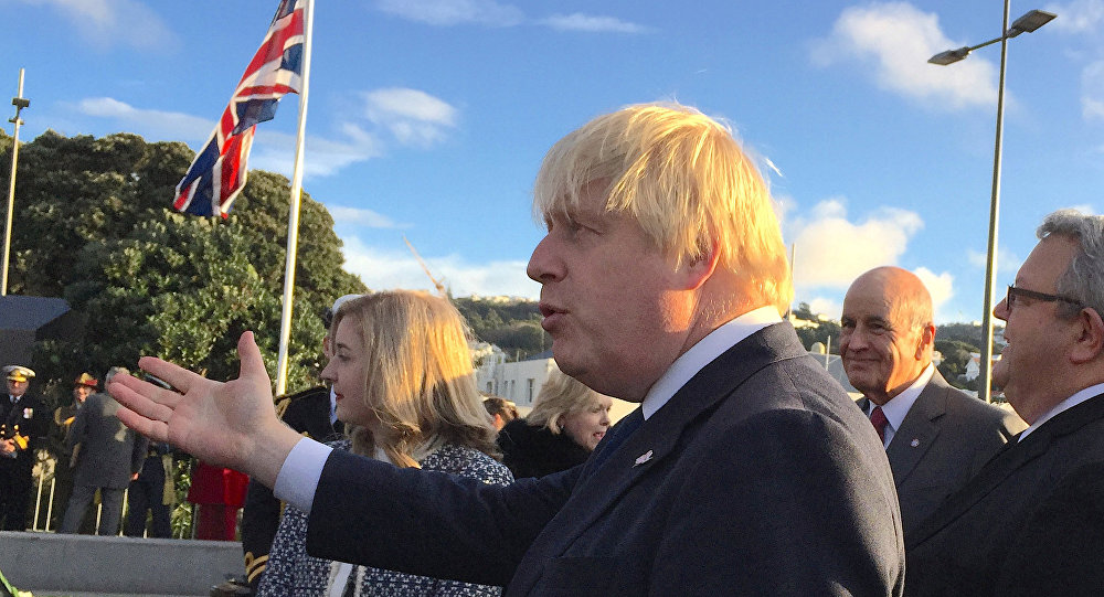 British Foreign Secretary Boris Johnson likens hongi to headbutt