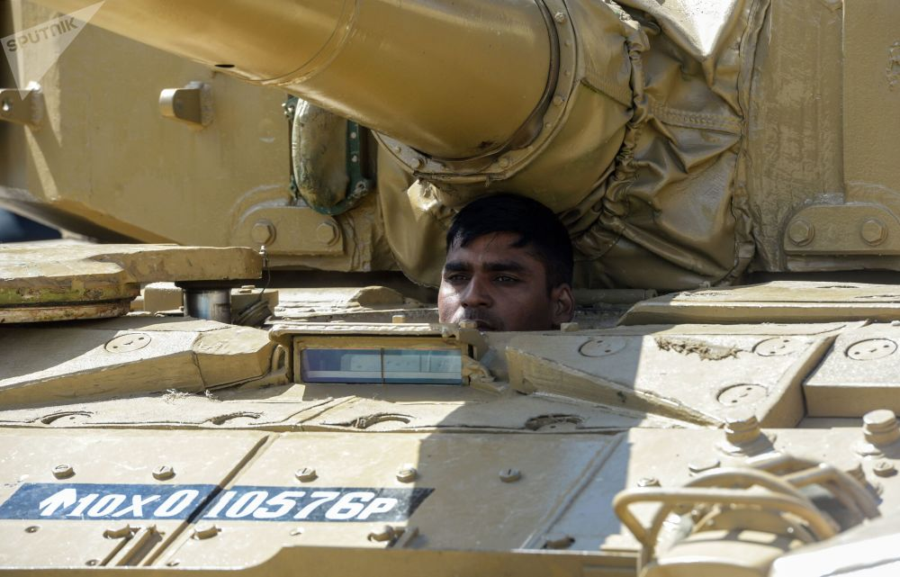 Tank Biathlon: Crews of 20 Countries All Set for Armored Vehicle Race in Russia