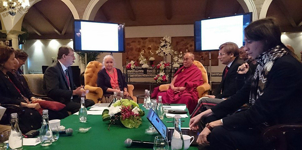Dalai Lama and Russian scientists take part in a conference in New Delhi