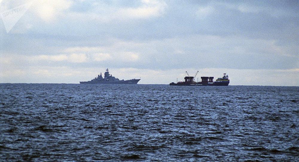 Barents Sea. Kursk nuclear submarine raising zone. Russian Northern Fleet. (File)