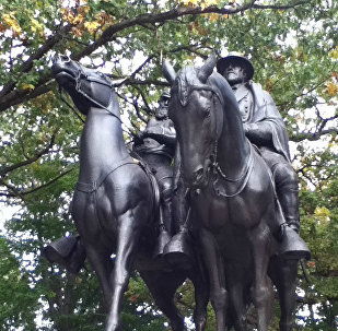 A front view of the Stonewall Jackson and Robert E Lee Monument in Charles Village, Baltimore