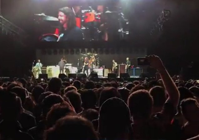 Foo Fighters & Rick Astley - Never gonna give you up - Summer Sonic Tokyo 20th August 2017