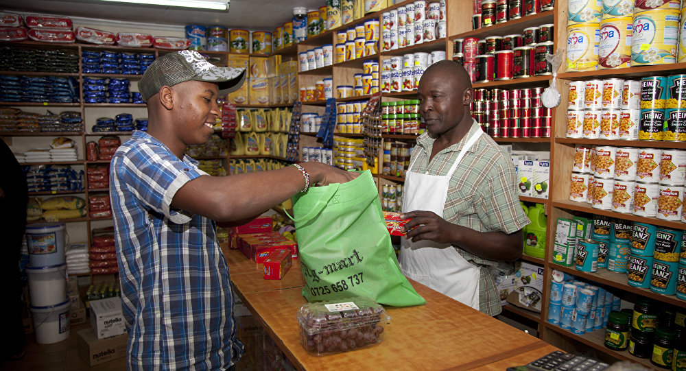 Kenya bans plastic bags, may fine violators up to $38000