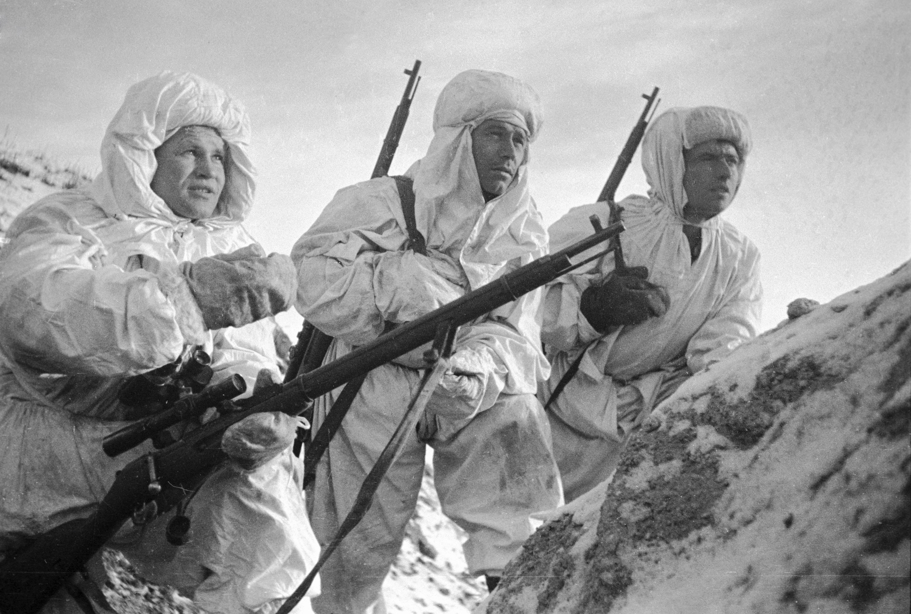 Vasily Grigorievich Zaitsev and his team in Stalingrad (archive photo)